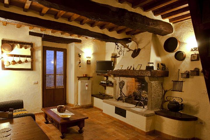 Vacanze in toscana cortona for Case in stile artigiano in vendita in california