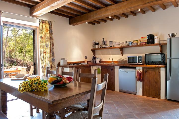 Vacanze in toscana cortona for Interni di casali ristrutturati